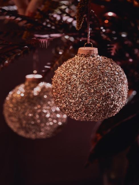 extravagantné vianočné gule