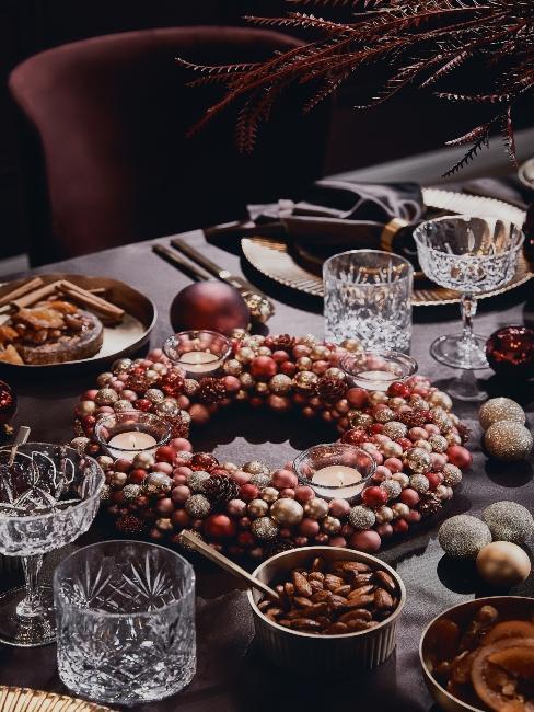 extravagantný trendy vianočný stôl
