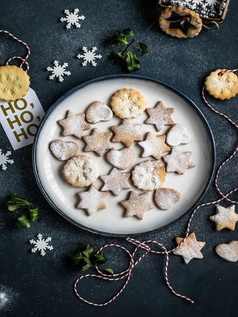 Vianočné sušienky s práškovým cukrom