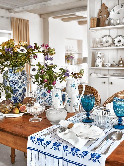 Rustikálny riad a kuchynské textílie
