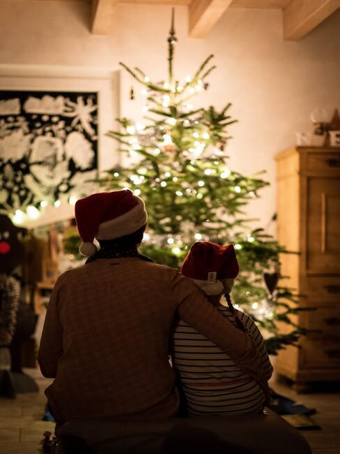 Vianočný stromček a rodina