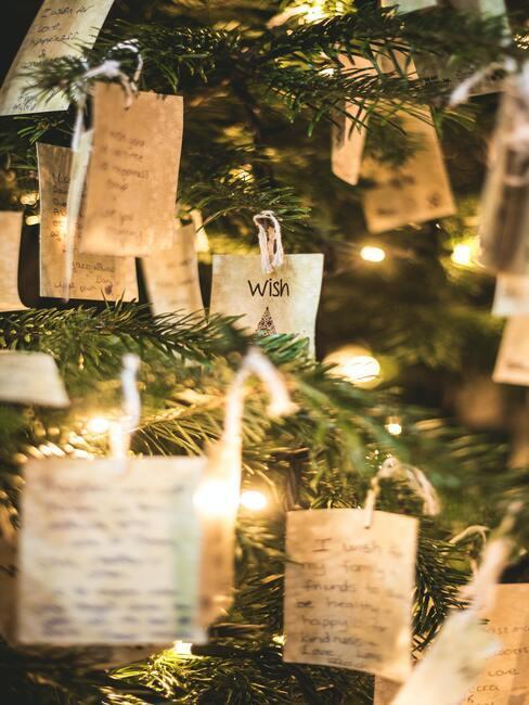 Vianočné priania na stromčeku