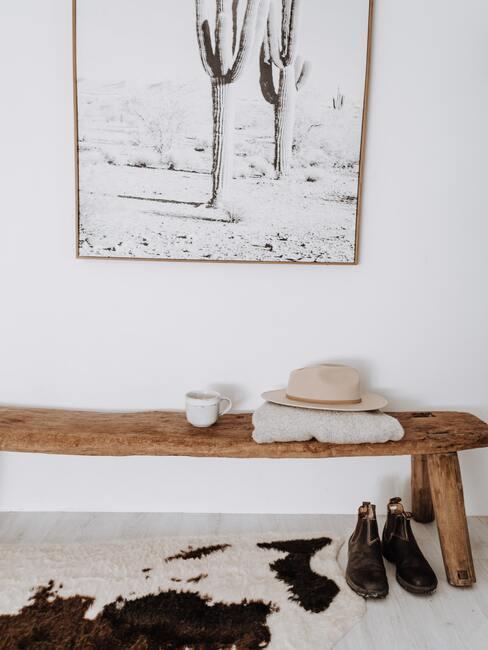 Obraz na stene v chodbe