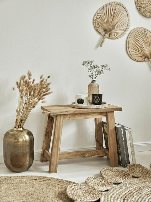 Nábytok a dekorácie z prírodných materiálov