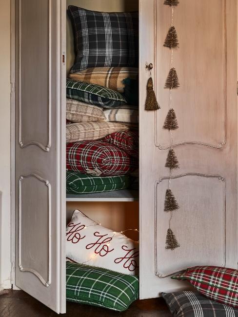 vankúše s vianočným vzorom