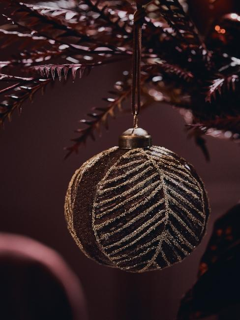 bordové extravagantné vianočné ozdoby