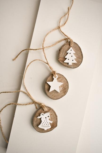 vianoční anjelikovia z dreva