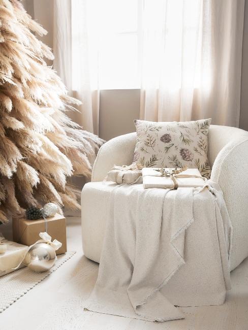 vianočné darčeky zabalené v elegantnom obale