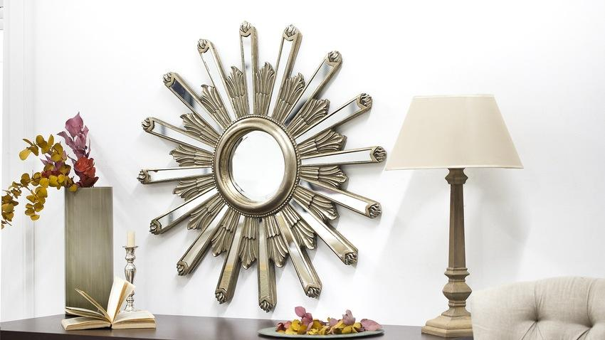 zlaté kulaté zrcadlo