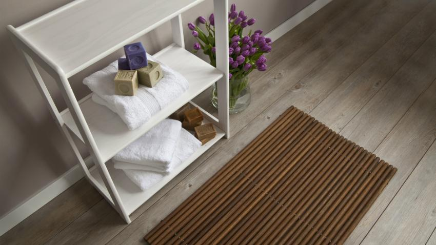 Dřevěná koupelnová rohož