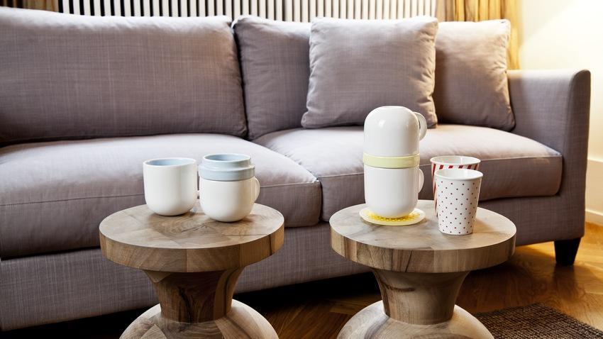 Sheeshamový konferenční stolek