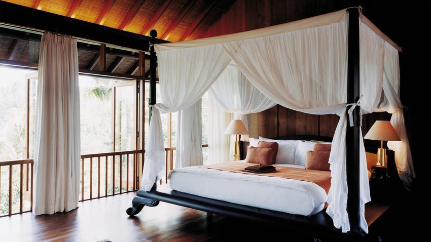 koloniální designové postele