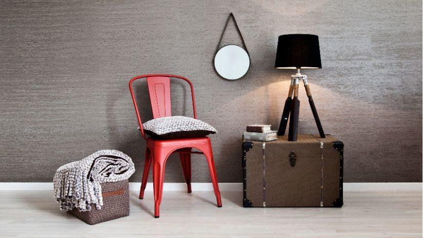 industriální červená židle