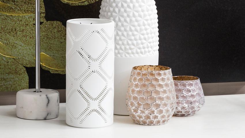 Bílá váza