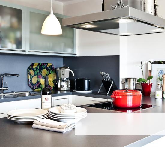 Küchenschrank rot