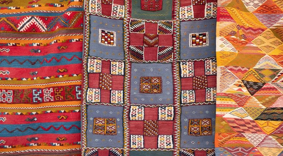 Berber Teppiche bunt gemustert