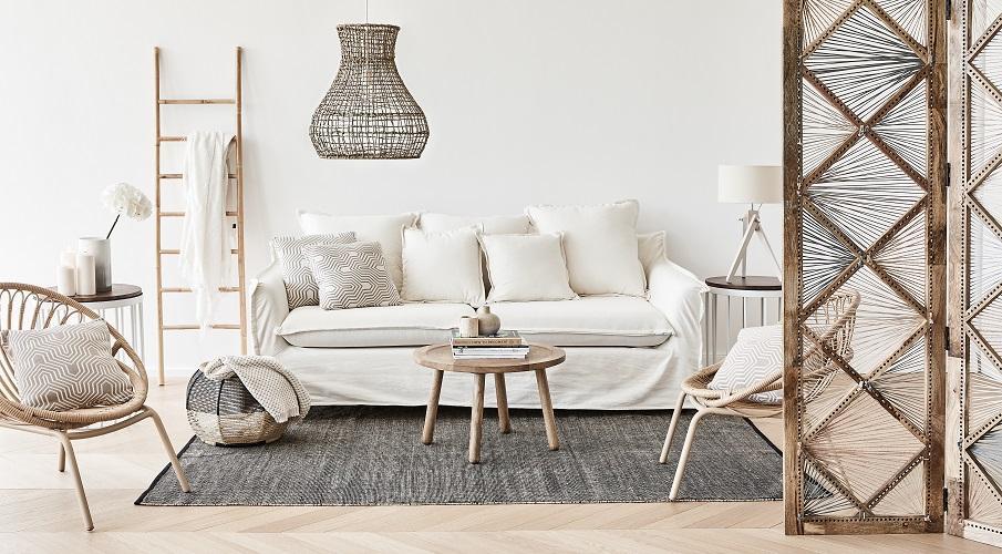 Couchtisch klein rustikal Holz Massivholz Sofa Teppich