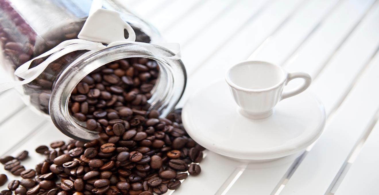Cafetera con molinillo