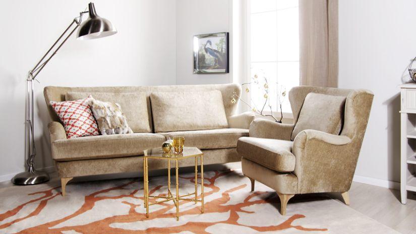 Tapis orange dans un intérieur de style rétro