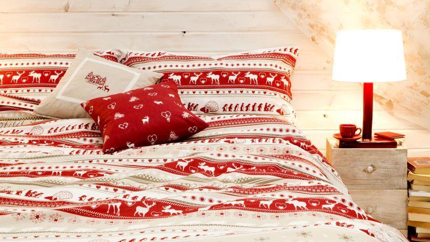 Couvre-lits rouges