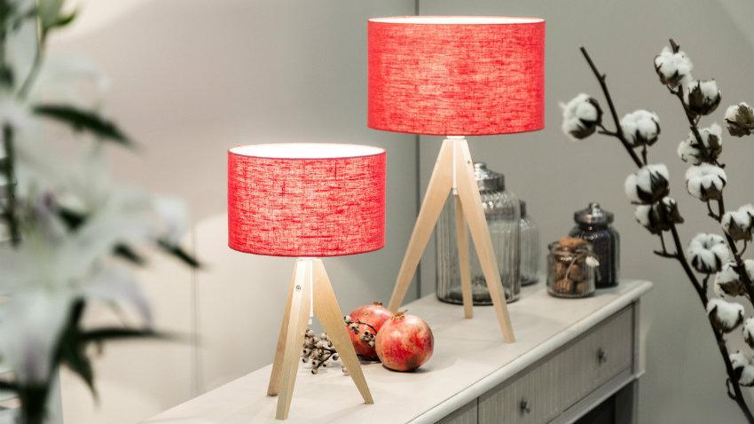 Lampe de bureau rouge pied en bois