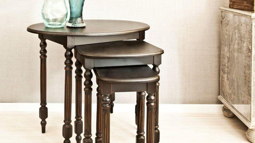 Petites tables en bois d'acajou
