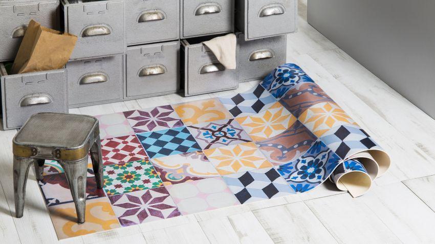 Tapis patchwork multicolore et style industriel