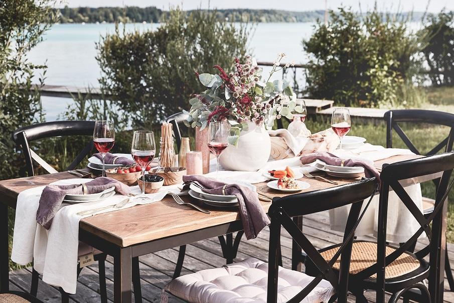 table de jardin en bois 02