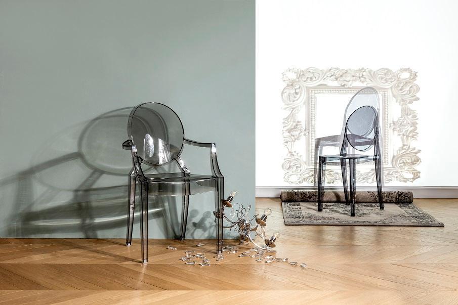 chaise transparente 02