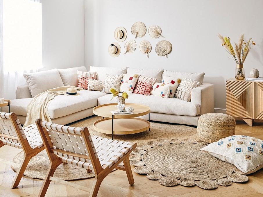 fauteuil lounge beige et bois tressé