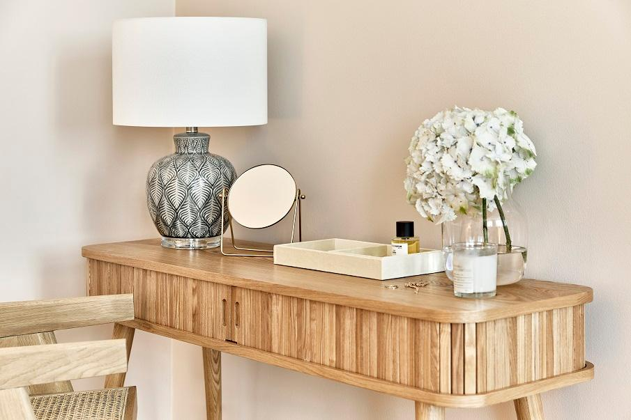 bureau type console en bois de style vintage