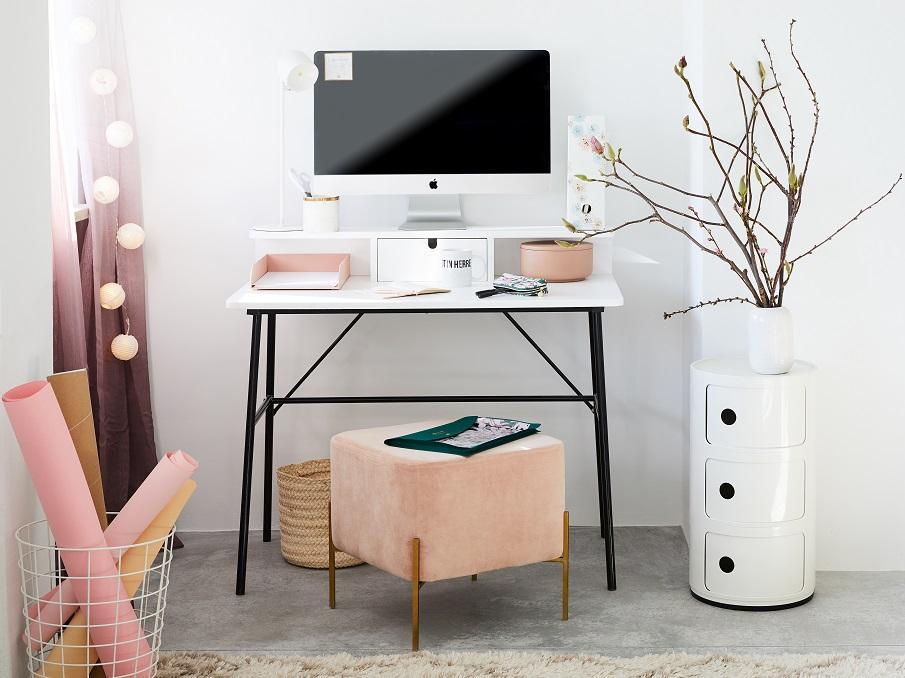 tabouret de bureau en cube rose