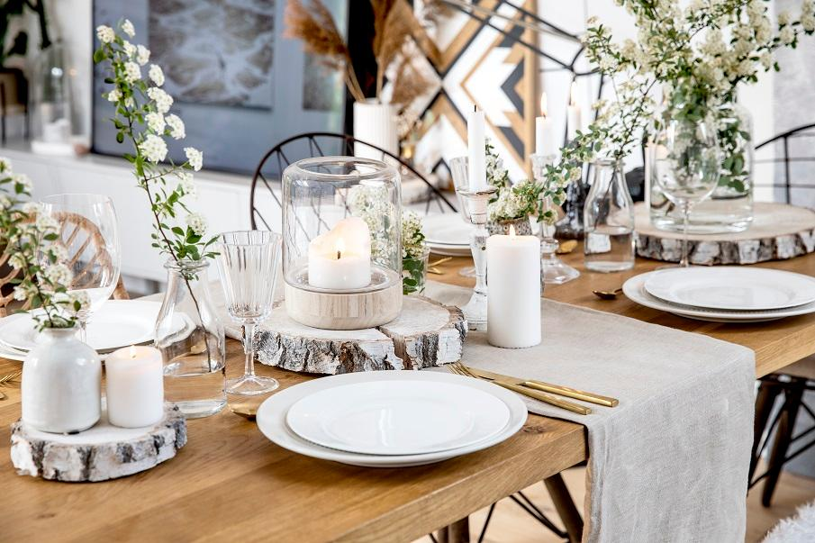photophore extérieur en verre sur une table