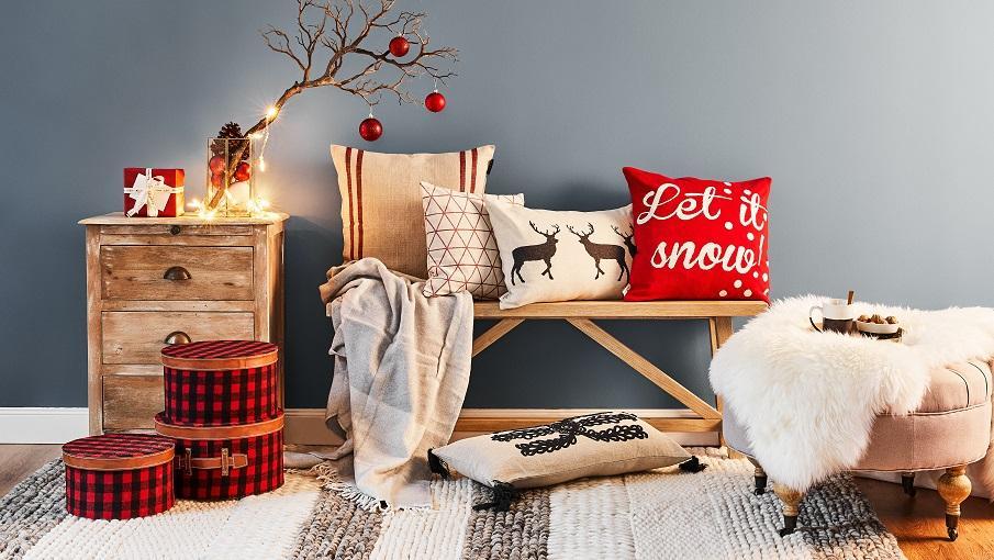 coussins de noel avec des renes ou let it snow