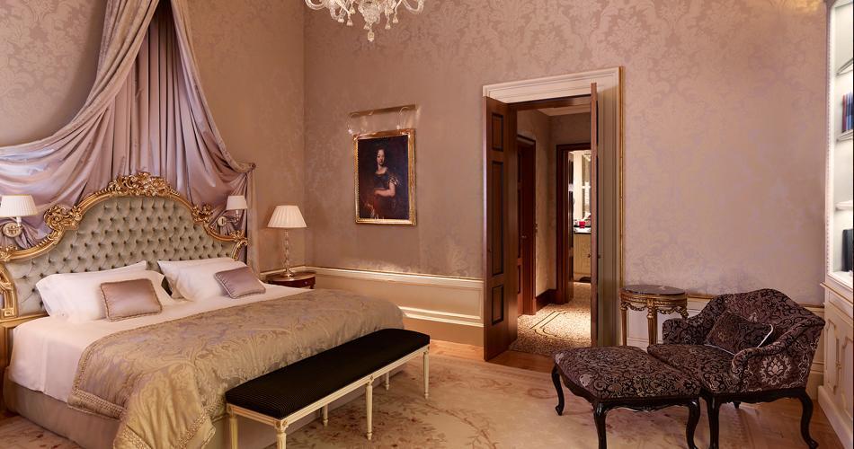 mobili in stile veneziano