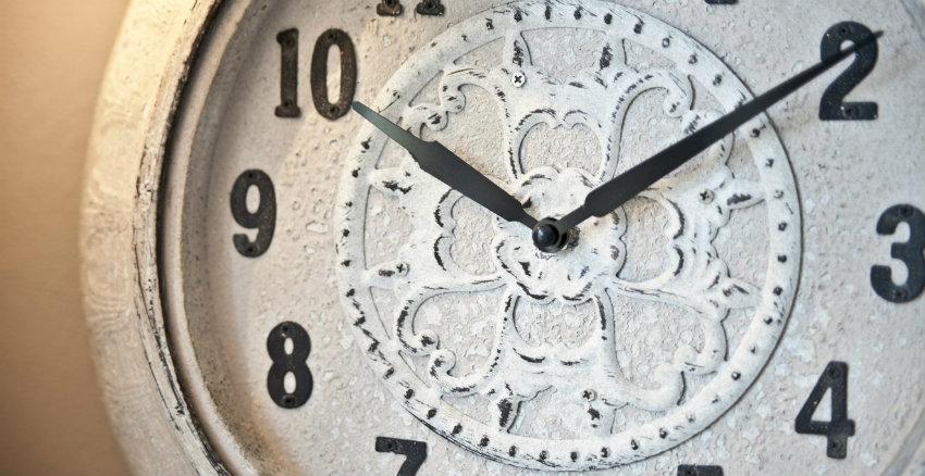 Orologi da parete in stile provenzale
