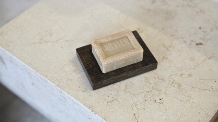 Portasapone in legno