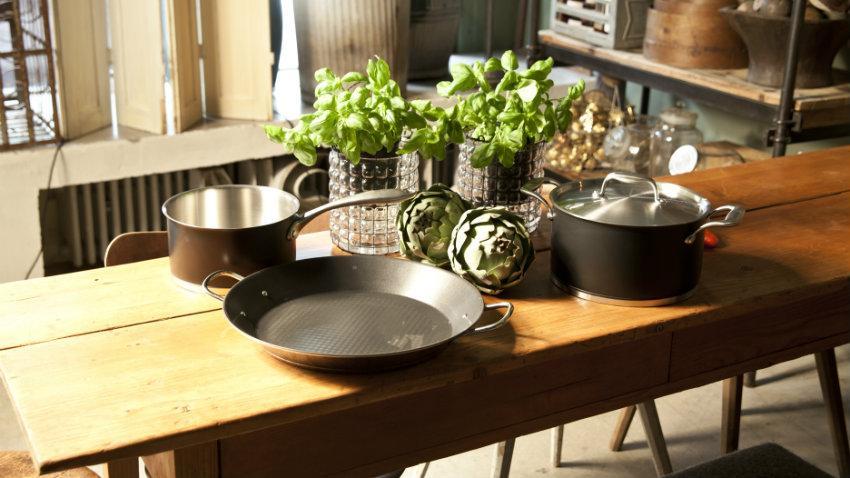 tavolo industriale con cassetti in legno metallo