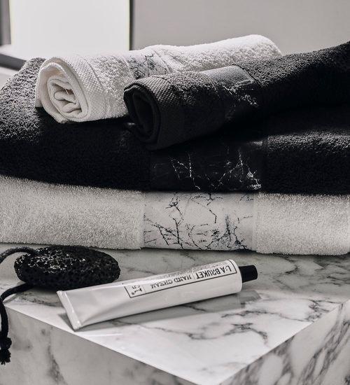 Zwarte handdoeken