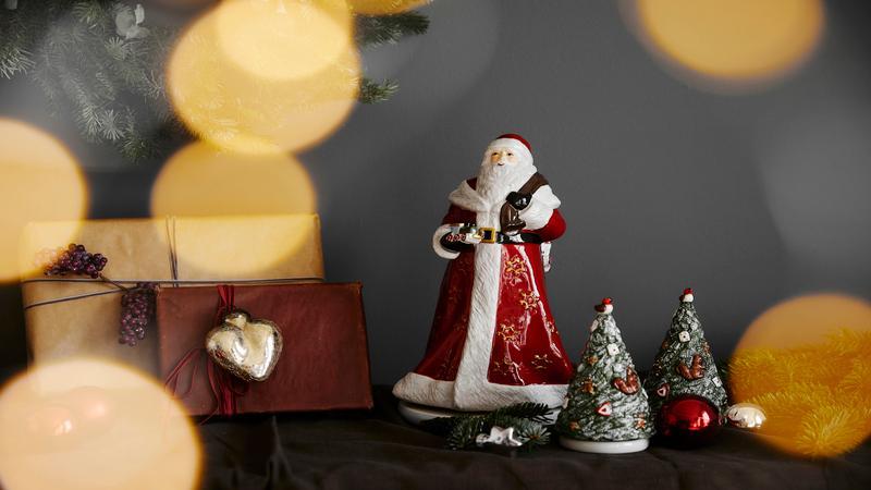 Kerstmannetje met kerstbomen