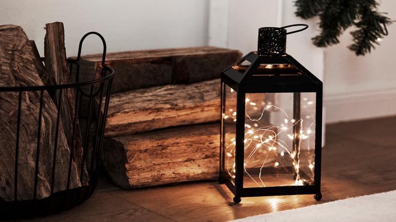 Kerstverlichting led in een lantaren