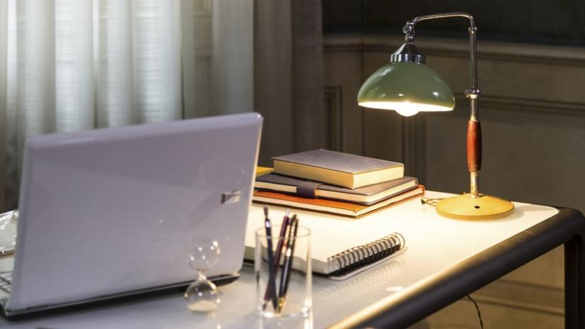 lampka na biurko zielona