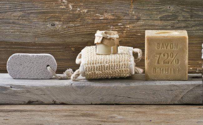 Gąbka, pumeks i mydło