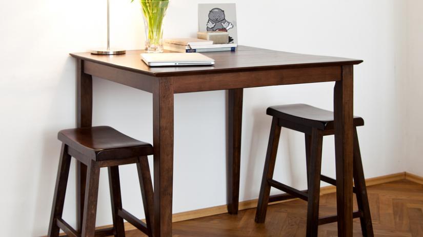 stół barowy drewniany
