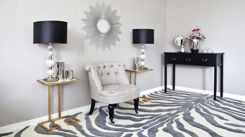dywan czarno-biały zebra