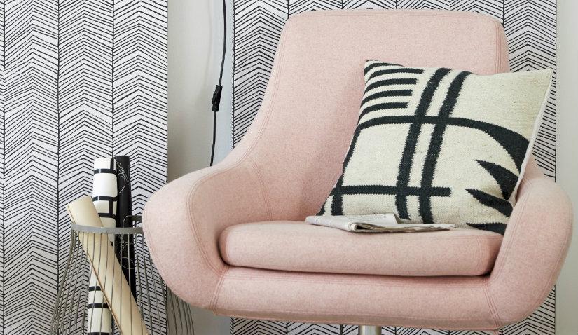 Różowy fotel retro