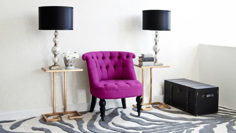 Fotel pikowany w stylu glamour