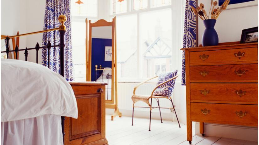 lustra do sypialni stojące