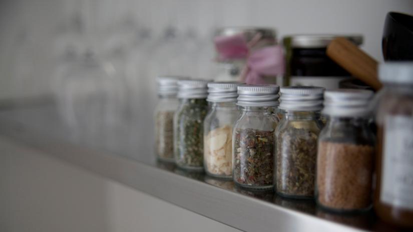 półki na przyprawy do kuchni