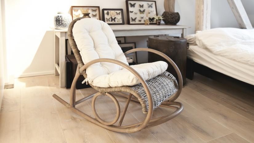 krzesła wiklinowe bujane